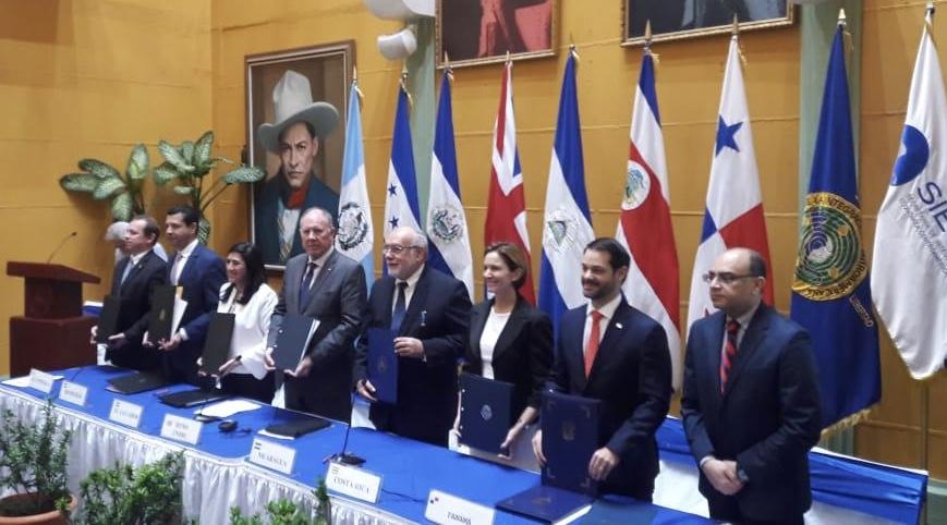 Centroamérica firma Acuerdo de Asociación con el Reino Unido